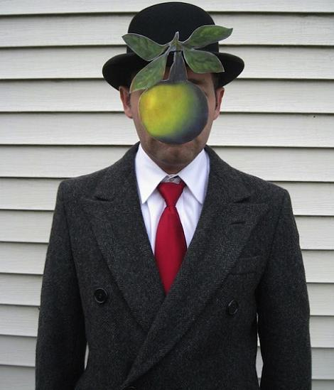 hombre-magritte-disfraz-carnaval