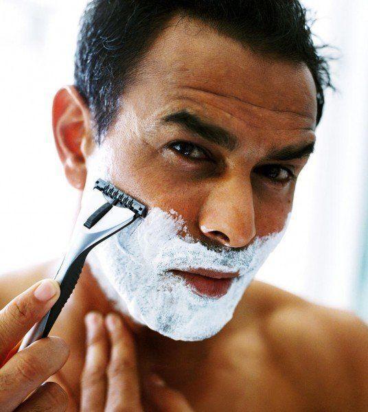recortar-barba-con-maquinilla