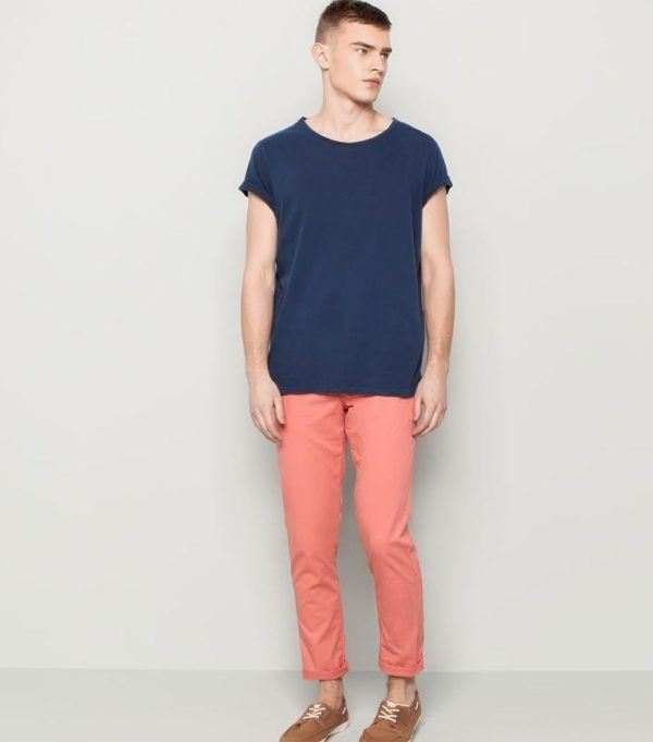 tendencias-pantalon-hombre-verano-2014-tono-pastel-pull&bear