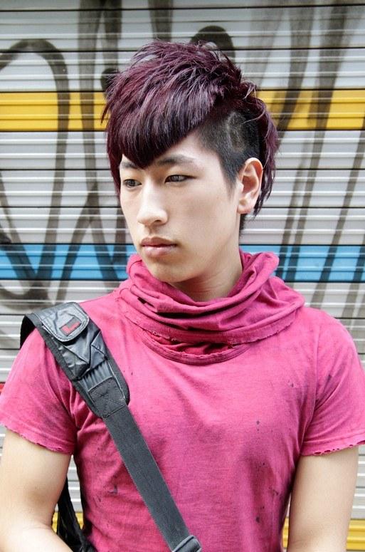 cortes-de-cabello-japoneses-y-coreanos-para-hombres-2015-2016-estilo-liso-flequllo-tinte-lila