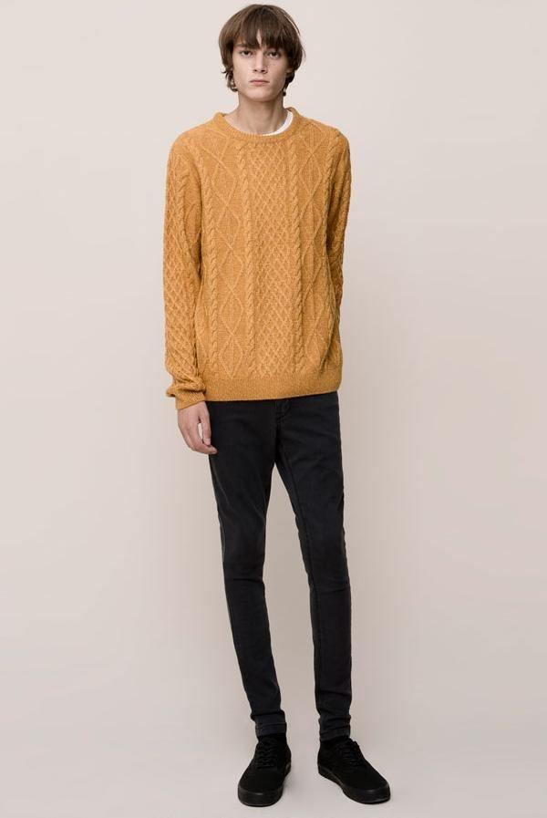 moda-pantalones-y-jeans-vaqueros-hombre-otono-invierno-2015-2016-modelo-skinny-de-pull-and-bear-negro