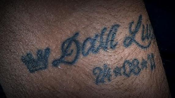 tatuajes-neymar-tatuaje-brazo-nombre-fecha-hijo-lucca