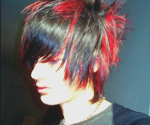 cortes-de-pelo-y-peinados-emo-50-fotos-cabello-negro-y-rojo