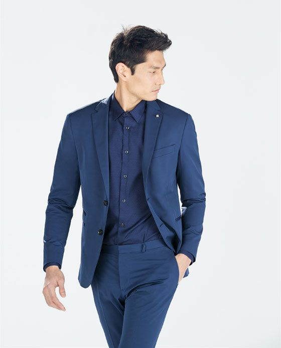 como-combinar-un-traje-azul-marino