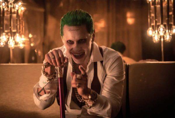 como-maquillarse-como-el-joker-en-el-escuadron-suicida-baston