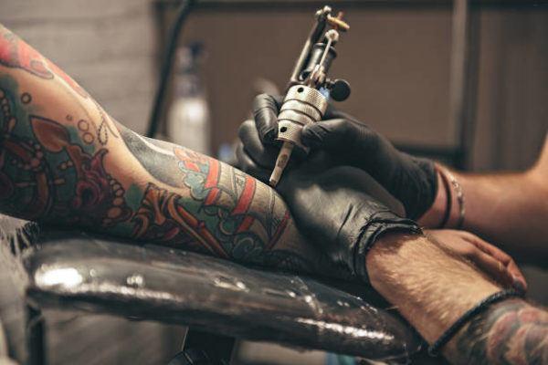 Como cuidarse un tatuaje