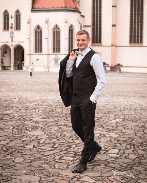 Cortes de pelo hombres para bodas 2021 corto flequillo