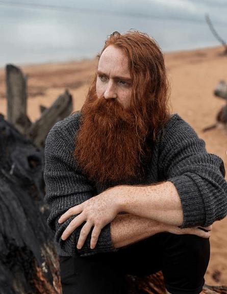 Hombres con estilo | Cortes de cabello y peinados para pelirrojos 2021 | Fotos melena larga con barba