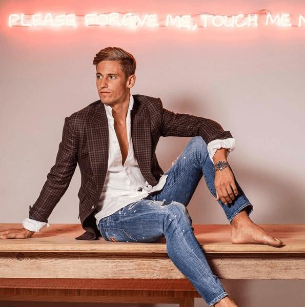 Cortes de pelo hombres, los tupés están de moda en 2021 Marcos Llorente