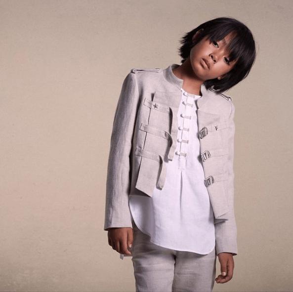 Peinados de Primera Comunión para niños 2021 media melena