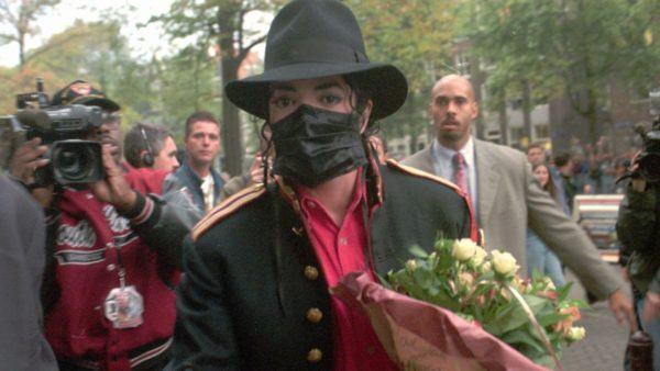 Disfraz Michael Jackson Halloween mascarilla negra 2020