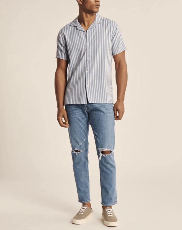 Las Rebajas en Abercrombie para Verano 2021 camisa cuello cubano rayas