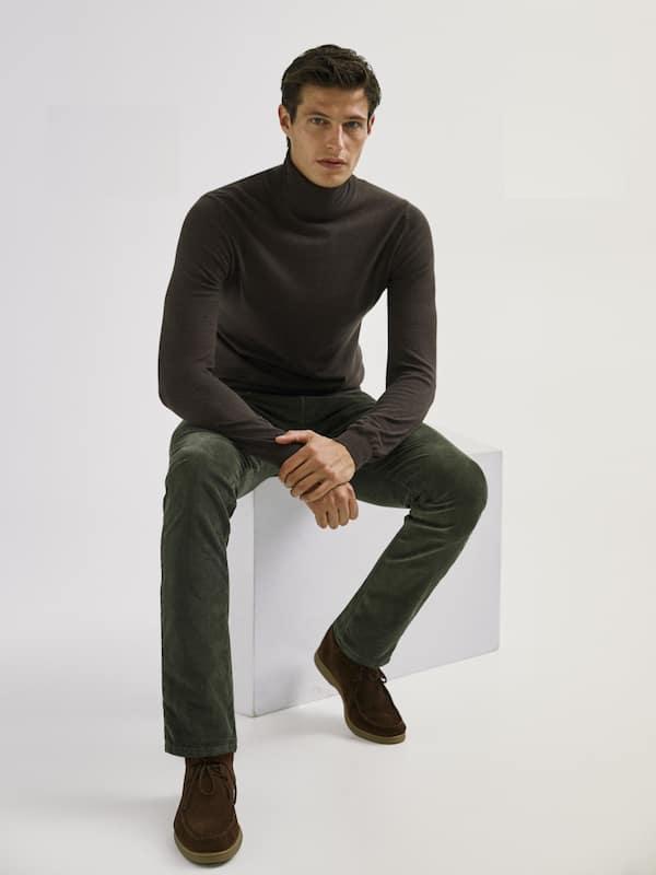 Pantalón pana Catálogo Massimo Dutti temporada otoño invierno 2020 2021