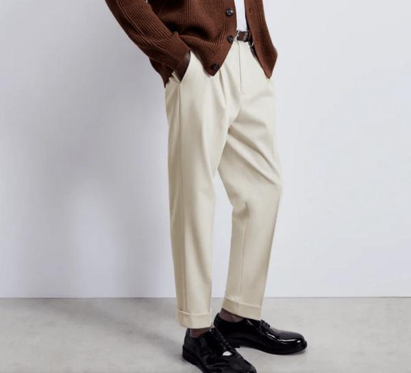 Pantalón pliegues catálogo Zara temporada otoño invierno 2020 2021