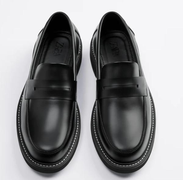 Mocasines negros pespunte catálogo Zara temporada otoño invierno 2020 2021