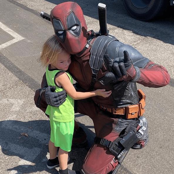 Disfraz Deadpool Halloween 2020 solidario