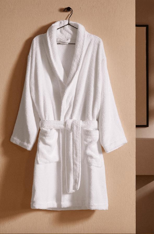 Batas del catálogo Zara para Hombre Otoño Invierno 2021 Albornoz personalizable