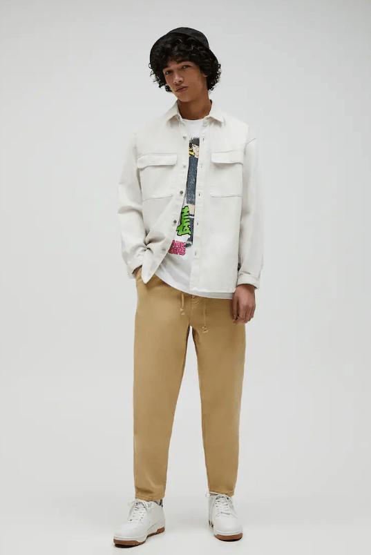 Catálogo Pull & Bear | Tendencias Moda Hombre Otoño Invierno 2020 2021 pantalón balloon fit cadena