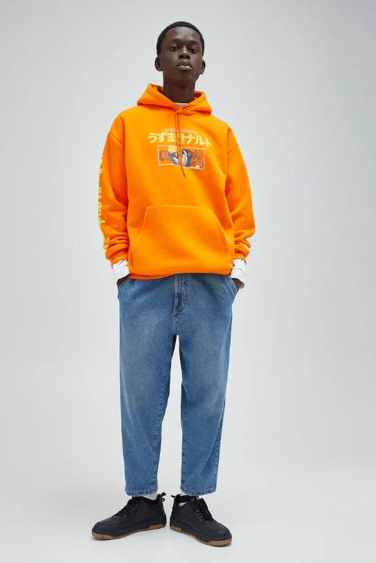 Catálogo Pull & Bear | Tendencias Moda Hombre Otoño Invierno 2020 2021 sudadera capucha Naruto naranja