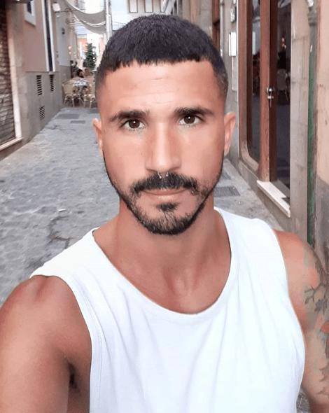 Los mejores cortes de pelo fáciles de peinar y cortar rapado militar