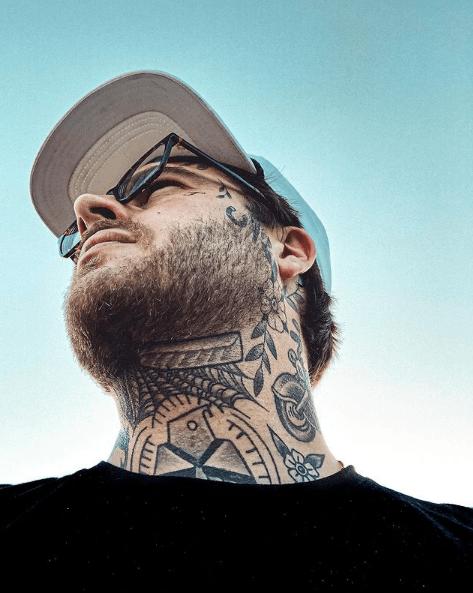 Tatuajes pequeños para cuello hombre 2021 blanco negro varios