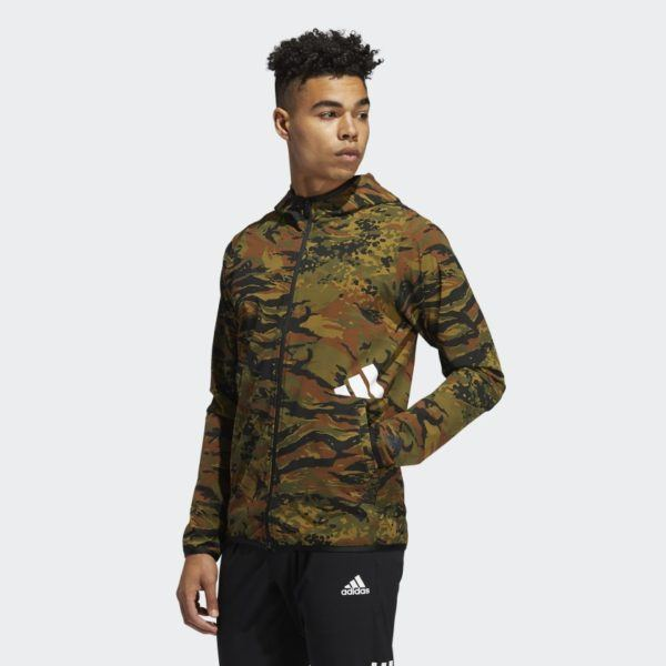 Catálogo Adidas Otoño Invierno 2020 2021 Chaqueta con capucha FreeLift Camouflage Training