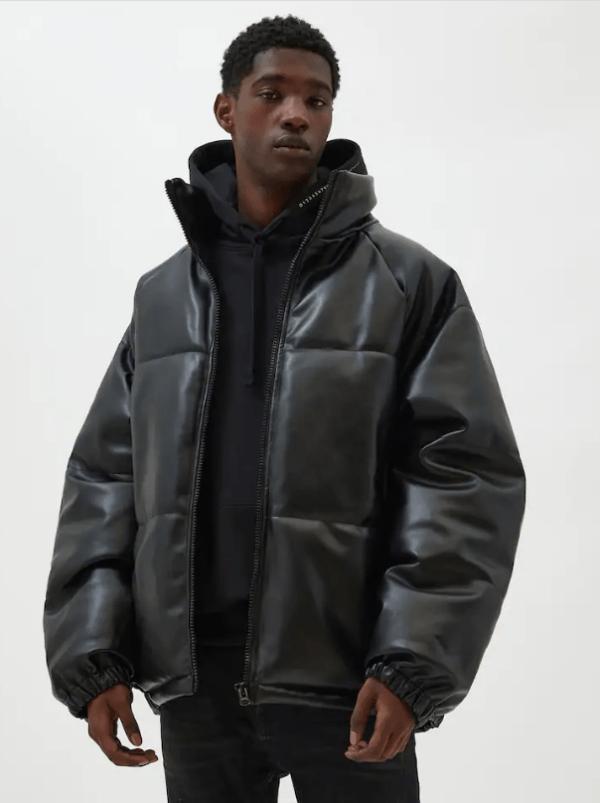 Chaquetas de cuero para hombre Pull & Bear cazadora acolchada negra efecto piel
