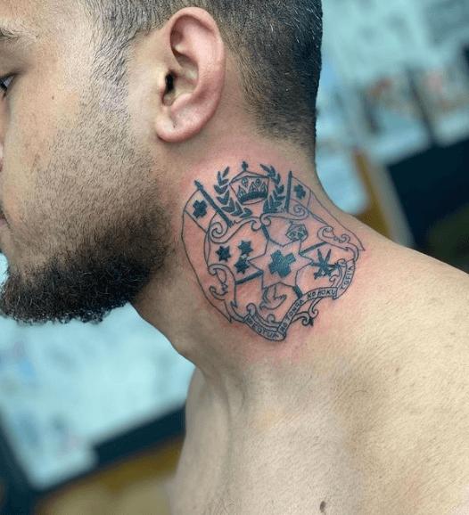 Tatuajes pequeños para cuello hombre 2021 blanco y negro Toga