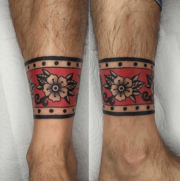 Tatuajes de rosas para hombres 2021 pulsera tobillo con cenefa y color