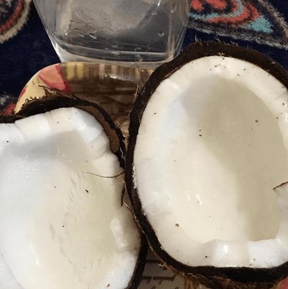 Propiedades del aceite de coco para el pelo: ¿qué efectos tiene? 100% Vegetal
