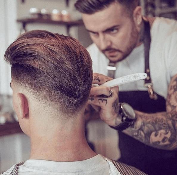Degradado en el pelo: cómo se hace y cómo llevarlo bald fade peluquero