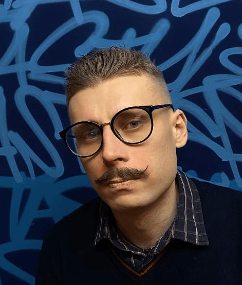 Peinados y cortes de Pelo para hombres con poco pelo y con entradas crew cut bigote