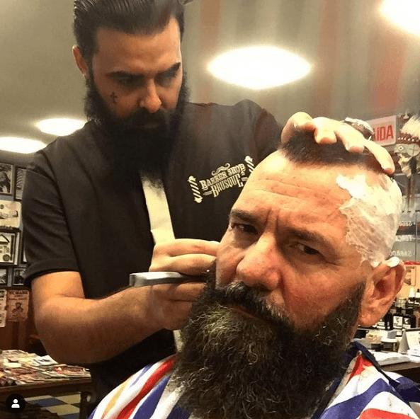 Peinados y cortes de Pelo para hombres con poco pelo y con entradas militar cresta