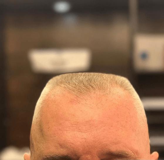 Peinados y cortes de Pelo para hombres con poco pelo y con entradas militar clásico