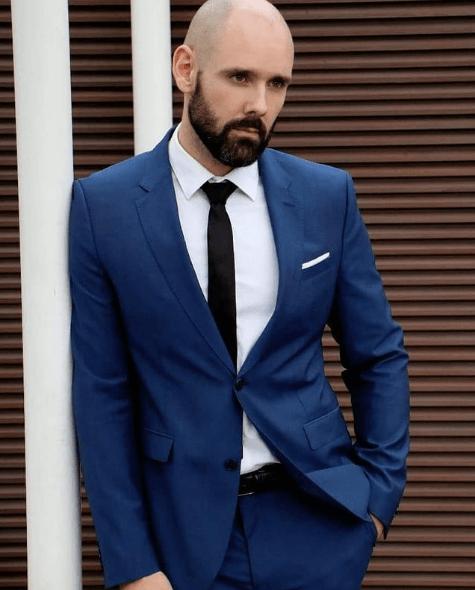 Peinados y cortes de Pelo para hombres con poco pelo y con entradas afeitado con barba