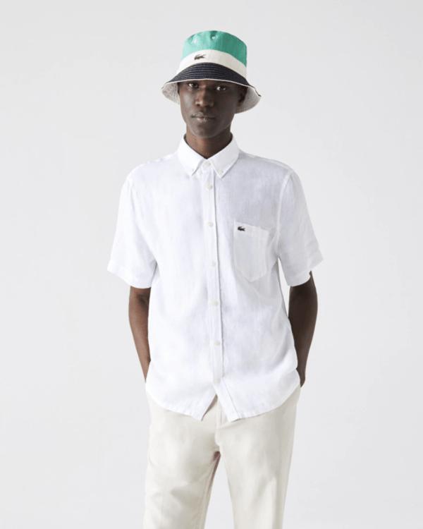 Las 10 Tendencias imprescindibles para hombre Primavera Verano 2021 camisa lino cuello punta Lacoste