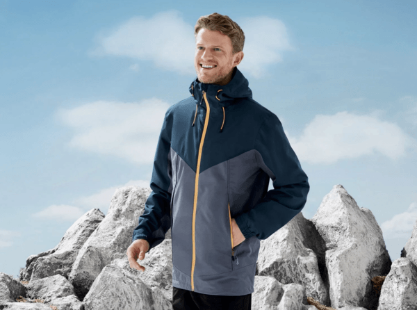 Catálogo Ropa Lidl Verano 2021 para hombre chaqueta impermeable trekking