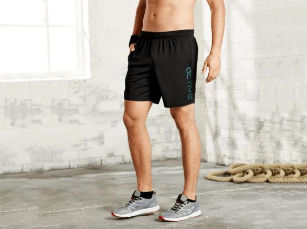 Catálogo Ropa Lidl Verano 2021 para hombre pantalón deportivo negro