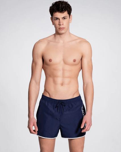 Los mejores bañadores cortos de hombre para Verano 2021 Calvin Klein