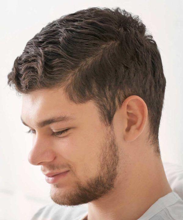 Los mejores cortes de pelo y peinados para hombre tendencia cabello corto pelo ondulado