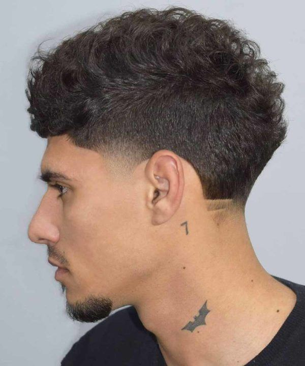 Los mejores cortes de pelo y peinados para hombre tendencia cabello corto rizos cortos