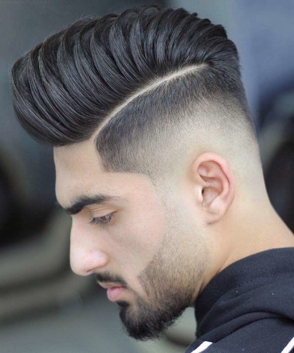 Los mejores cortes de pelo y peinados para hombre tendencia cabello corto tupe raya marcada