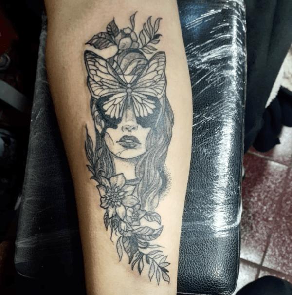Las mejores ideas de tatuajes blackwork para hombres 2022 musa