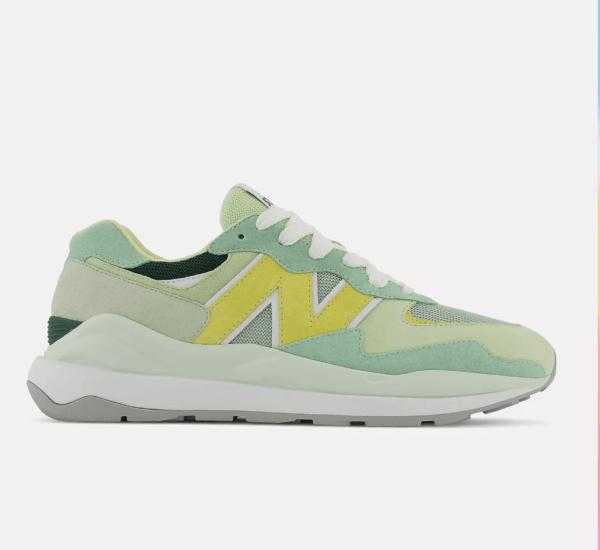 ¿Cuáles son las zapatillas perfectas para el invierno? New Balance 47/50 x Staud