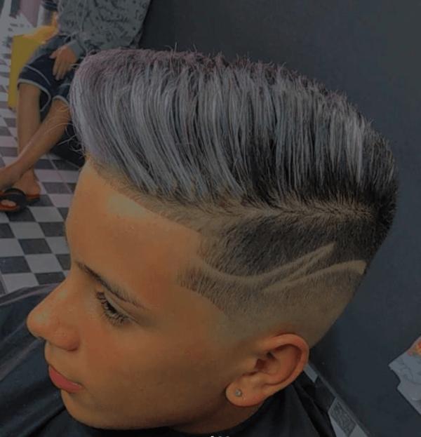 Los mejores cortes de pelo con navaja para hombre 2022 tinte blanco