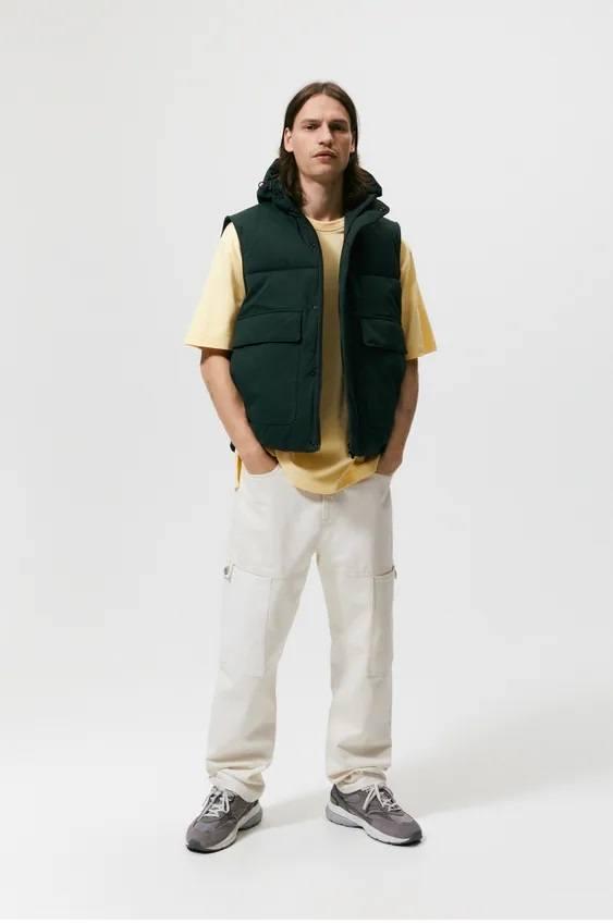 El catalogo de abrigos y chaquetas para hombre de zara chaleco acolchado capucha