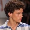 Cortes de pelo y peinados con ondas para hombres 2013