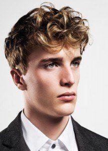 Nuevos cortes de pelo y peinados masculinos 2015 Peinado rizado tupé