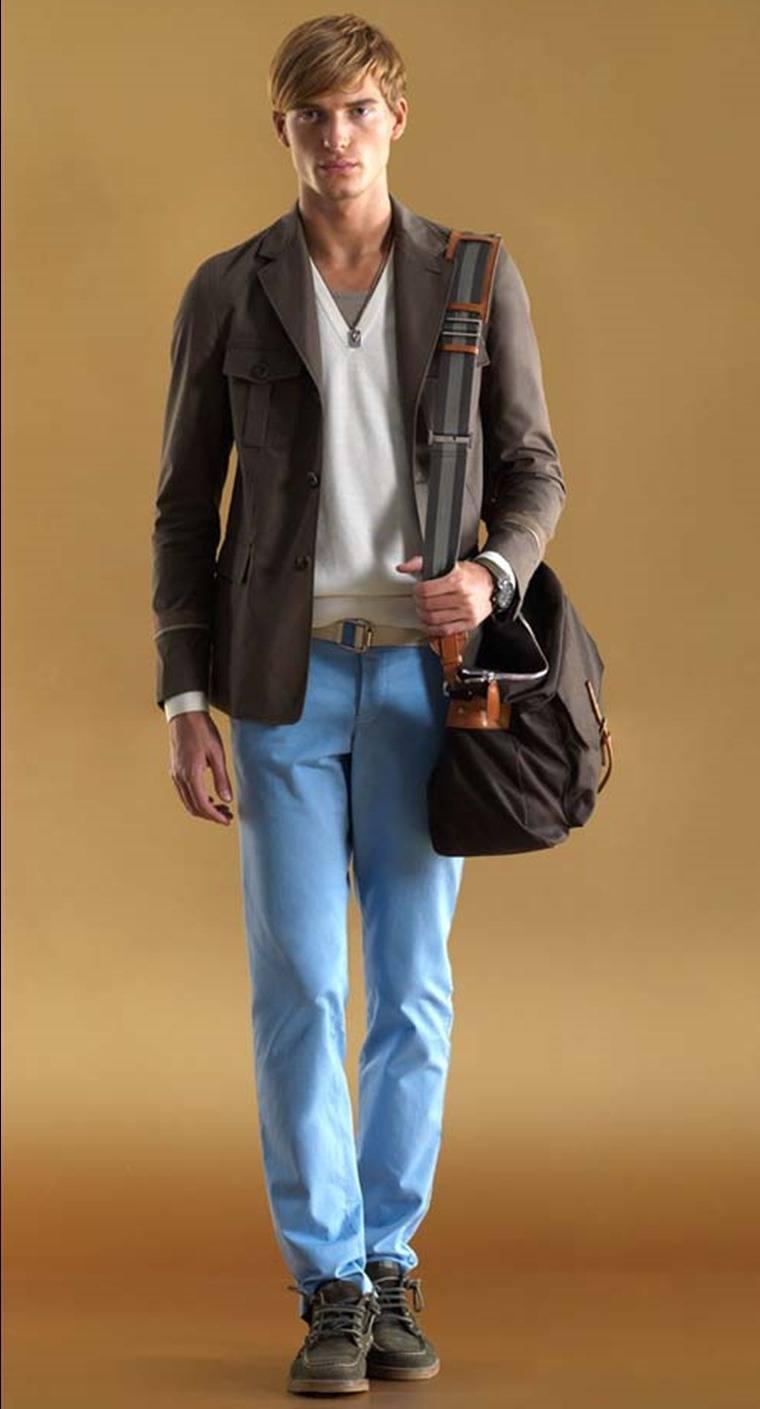 como-combinar-bien-los-colores-de-la-ropa-azul