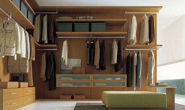 como-combinar-bien-los-colores-de-la-ropa-revisar-el-armario